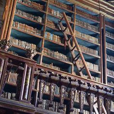 un #libro è una scala verso il cielo