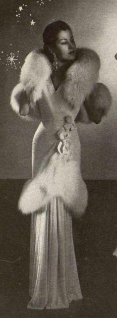 1947 Nina Ricci