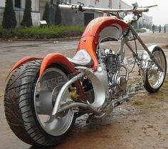 Custom Choppers Motorcycles - Have to admit, I kind of dig it! :)