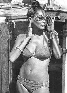 Cristina scabbia photos bikini