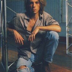 Matt Cameron, Soundgarden And Pearl Jam. I guess when you're usually photographed next to Chris Cornell, no one realises how gorgeous you are. Pearl Jam, San Diego, Matt Cameron, Musical Hair, Temple Of The Dog, Riot Grrrl, Eddie Vedder, Chris Cornell, Foo Fighters