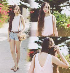 Zara Shirt, Mango Bag, Levi's® Shorts, Stradivarius Belt, Sandals