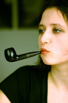 I'snt there also something sexy about a woman with a pipe ? :: General Pipe Smoking Discussion :: Pipe Smokers Forums