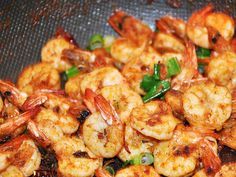 Do you love seafood? if yes here's a tasty and authentic butter garlic prawns recipe with simple steps.erve with fresh crusty bread. Garlic Butter Prawns, Creamy Garlic Prawns, Foil Packet Potatoes, Breaded Shrimp, Mushy Peas, Fresh Potato, Creamy Coleslaw, Recipetin Eats, Prawn Recipes