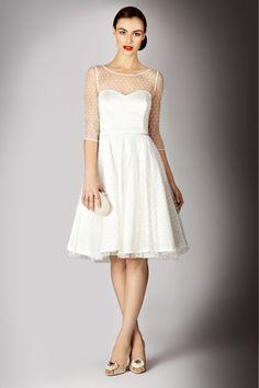 Un vestido vintage, ideal para boda civil..
