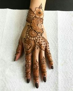 Beautiful Mehndi Design - Browse thousand of beautiful mehndi desings for your hands and feet. Here you will be find best mehndi design for every place and occastion. Quickly save your favorite Mehendi design images and pictures on the HappyShappy app. Arabic Bridal Mehndi Designs, Mehndi Designs Book, Mehndi Designs 2018, Modern Mehndi Designs, Mehndi Designs For Girls, Mehndi Design Pictures, Dulhan Mehndi Designs, Beautiful Mehndi Design, Mehandi Designs