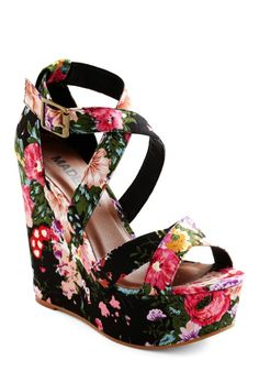 Vintage Floral Women Wedge Shoes - Black Floral Women Wedge Shoes #floral #vintage