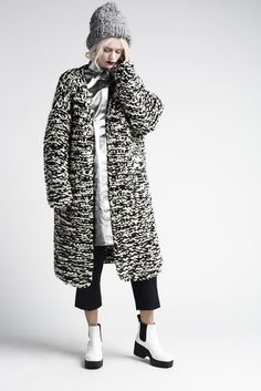 Knitted Coat with black & white textures, contemporary knitwear design // Anna Dudzinska