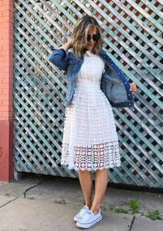 Summer Style: A Dressed-Down LWD - my kind of sweet summer style casual fashion outfit idea postpartum mom style body after baby Modest Outfits, Modest Fashion, Dress Outfits, Casual Dresses, Casual Outfits, Fashion Dresses, Modest Wear, Summer Outfits, Trendy Dresses