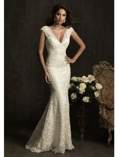 Buy Sheath/Column V-neck Lace Luxury Wedding Dress Online Cheap Prices