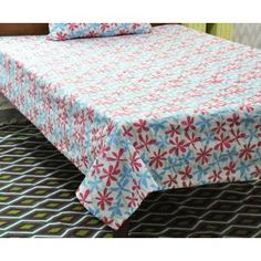 True Luxury Cotton single bed sheets with Matching Pillow Cover. Bed Sheets Online, Buy Bed, Bed Sheet Sets, Outdoor Furniture, Outdoor Decor, Linen Bedding, Mattress, Pillow Covers, Ottoman