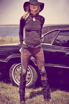 Free People Pulls Model Joan Smalls for Publication Debut Dark Bohemian, Bohemian Mode, Bohemian Style, Bohemian Clothing, Bohemian Gypsy, Hippie Style, Boho Chic, Joan Smalls, Moda Country