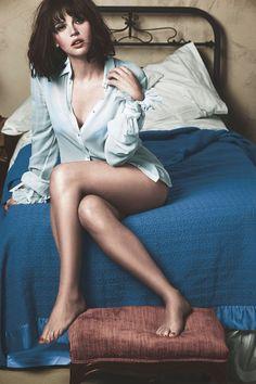 Gorgeous Felicity Jones Felicity Jones, Beautiful People, Beautiful Women, Actrices Sexy, Gq Magazine, Beautiful Actresses, Beautiful Celebrities, Birmingham, Celebs