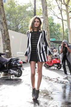 Stripes go both ways. Horizantal and vertical stripes can work, note however both sets are black and white.