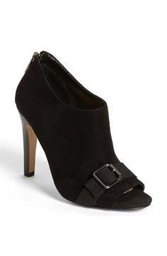 Peep toe bootie http://rstyle.me/n/d2zg8nyg6