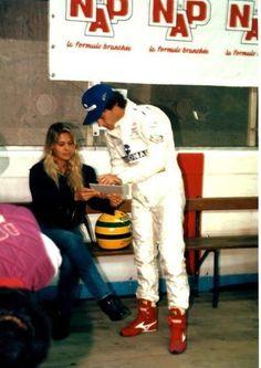 """Ayrton Senna, se preparando para  correr o """"Elf Masters Kart Race"""", na França…"""