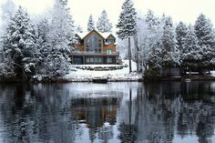 I'd pick beach over snow, any day. But, I wouldn't mind spending Christmas here, every Christmas.