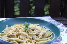 Kronärtskockor är något av Roms kulinariska signum. De friteras, kokas, bakas i ugn, äts råa i sallad. Och givetvis sereras de även till pasta. En del föredrar med lite pancetta, andra helt vegetar…