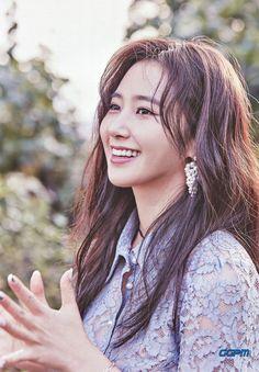 Yuri [2017 SEASON'S GREETINGS] WALL CALENDAR