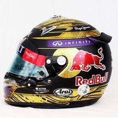 Sebastian Vettel's Formula 1 helmet brings World record price at Bonhams Racing Helmets, Motorcycle Helmets, Red Bull Racing, Racing Team, Helmets For Sale, Arai Helmets, Gp F1, Helmet Armor, Enduro