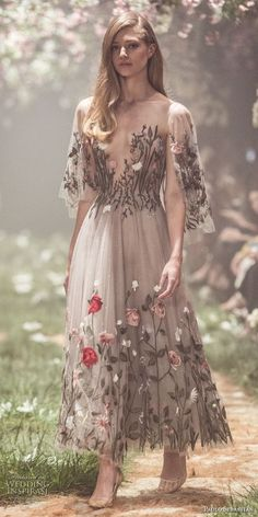 Paolo Sebastian Spring 2018 Couture Wedding Dresses, from Wedding Inspirasi: Sweeping ball gowns fit for princesses. Ethereal silhouettes hand-embroided with woodland scenes. Pretty dresses that… Fashion Vestidos, Fashion Dresses, Couture Dresses Gowns, Modest Fashion, Short Dresses, Prom Dresses, Flower Dresses, Spring Formal Dresses, Formal Gowns