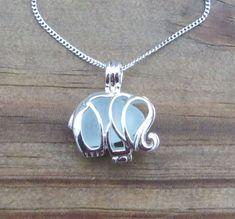 Aqua mar cristal elefante collar medallón helado por WaveofLife