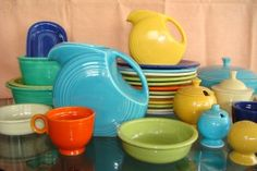 I just love Fiestaware! I have several pieces, but the collector here has hundreds. The colors just make me happy!
