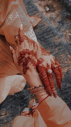 Pretty Henna Designs, Latest Henna Designs, Stylish Mehndi Designs, Henna Art Designs, Mehndi Designs For Girls, Mehndi Designs For Beginners, Mehndi Design Photos, Beautiful Mehndi Design, Best Mehndi Designs
