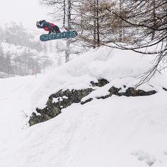 @darrell_mathes tweaks out a nice method while cruise around Monterosa Ski in Italy. Photo: @andywrightphoto @vanssnow #101545