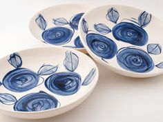 Set of two simple, modern, Delft blue roses hand painted earthenware ceramic pasta or soup bowls or plates x) MADE TO ORDER Delft, Ceramic Plates, Ceramic Pottery, Ceramic Painting, Ceramic Art, Crackpot Café, Keramik Design, Pottery Painting Designs, Hand Painted Ceramics