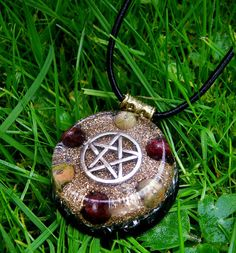 Garnet and Unakite Pentacle Orgone Pendant by OrgoniseYourself - Pagan -  New age crystal healing