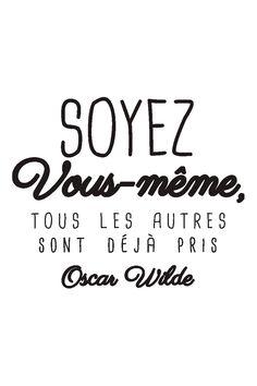 Vente STICKERS / 24345 / Lettrage / Citations en français / Sticker citation Oscar Wilde Noir