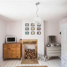 """1,962 Likes, 30 Comments - Farrow & Ball (@farrowandball) on Instagram: """"These #GreatWhite walls have been paired with #WimborneWhite floorboards to create a wonderfully…"""""""