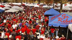 An outside fair at the University of Mississippi.