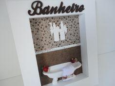 quadrinho cenário para banheiro ou lavabo, com fundo em tecido, peças em resina e letra em mdf, podendo ser lavabo, espelho na divisão dos tecidos. R$ 69,00