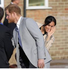 Prince Harry And Megan, Harry And Meghan, Sick Puppies, Practice What You Preach, Michael Johnson, Meghan Markle Style, Boys And Girls Club, Old Video, Princesa Diana