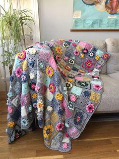 Crochet Squares, Crochet Blanket Patterns, Crochet Granny, Crochet Blankets, Crochet Flower, Magazine Crochet, Tea Cosy Knitting Pattern, Crochet Animal Hats, Simply Crochet