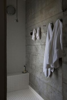 Concrete, white tiles, and wood - we like this combo, but will it look OK in our bathrooms? Potrero HIll home with cast concrete shower wall by Nilus Designs Concrete Shower, Concrete Bathroom, Concrete Walls, Wood Walls, Beton Design, Concrete Design, Bad Inspiration, Bathroom Inspiration, Industrial Bathroom