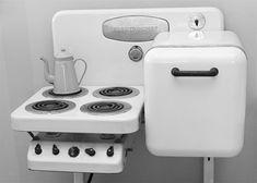 Neat vintage stove + fridge combo