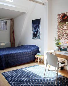 Colombine, Paris 9ème - Inside Closet