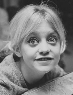 Goldie Hawn (b.1945) teenage celebrity face portrait #photobooth #funnyface #comedian