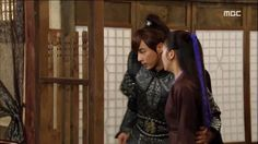 Love the moment they are together. Jin Yi Han, Yoon Shi Yoon, Choi Jin, Ha Ji Won, Healer, Korean, Kpop, In This Moment