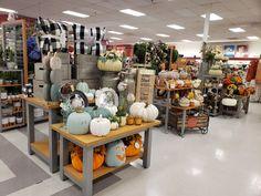 Harvest Decorations, Thanksgiving Decorations, Holiday Decorations, Retail Displays, Work Inspiration, Tj Maxx, Display Ideas, Home Goods, Decor Ideas