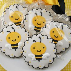 1 Doz Bumble Bee Sugar Cookie Favors Baby Bee Shower What Bee Cookies, Galletas Cookies, Fancy Cookies, Royal Icing Cookies, Cupcakes, Cupcake Cookies, Summer Cookies, Cookie Favors, Baby Shower Cookies