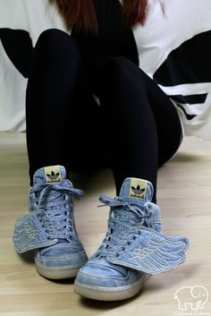 When a woman loves sneakers (Part III)