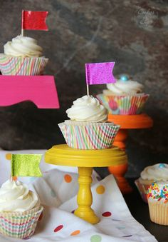 The BEST CUPCAKE EVER! My Favorite Vanilla Cupcakes | Cookies and Cups