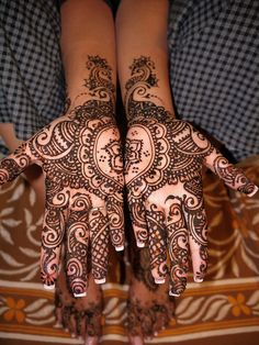 D's bridal mehndi by kenzilicious, via Flickr  #mehndidesigns #mehandidesigns #mehndi http://www.fashioncentral.pk/