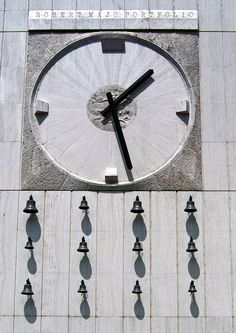 Hodiny na fasáde OD PRIOR (1968 Bratislava, Clock, History, Country, Watch, Historia, Rural Area, Country Music, Clocks