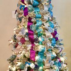 #christmastree #peacockcoloredtree #peacockcolors