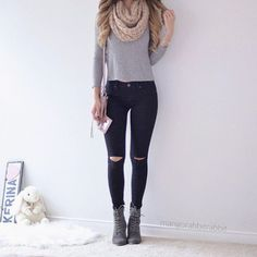 Black jeans winter outfits ideas 22 ~ Dresses for Women Black Ripped Jeans Outfit, Jeans Outfit Winter, Black Pants, Simple Outfits, Stylish Outfits, Fall Outfits, Cute Outfits, Teenage Outfits, Hipster Outfits
